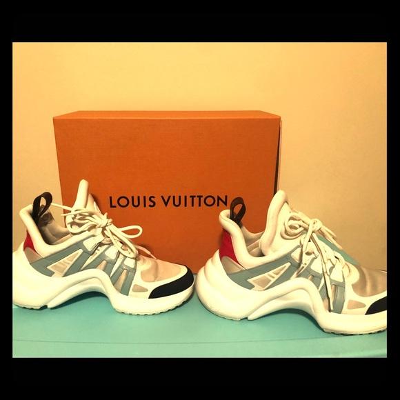218 Authentic Louis Vuitton Archlight